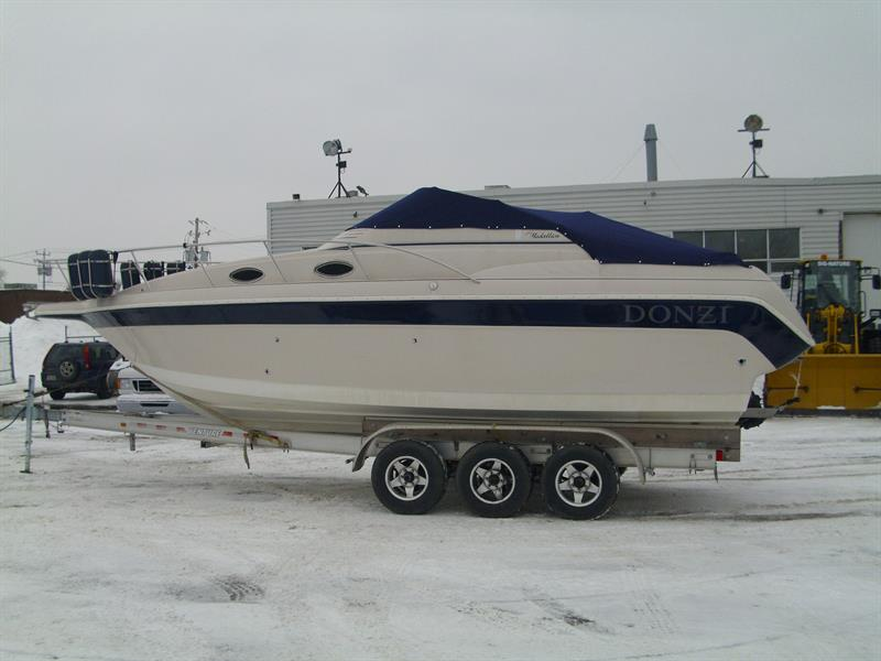 Donzi MEDALLION 275 CRUISER 29' 1997