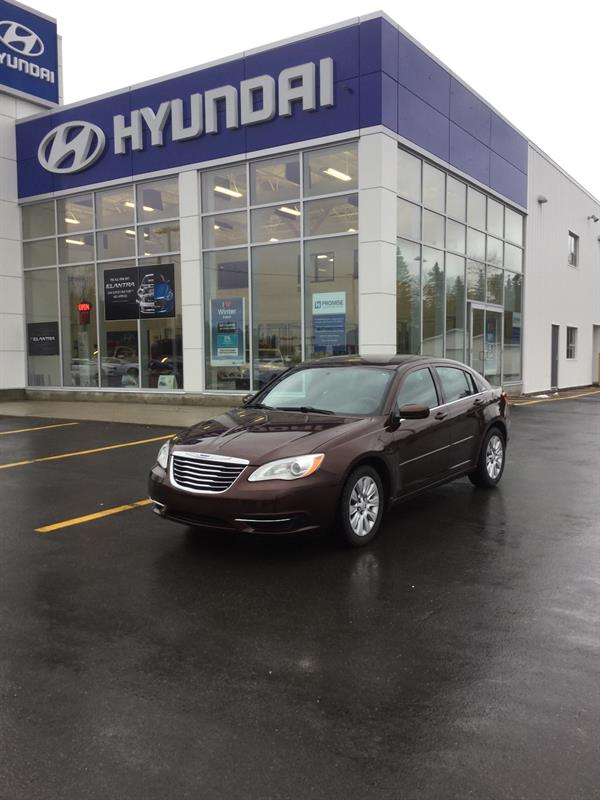 2012 Chrysler 200 4dr Sdn LX #TU8002A