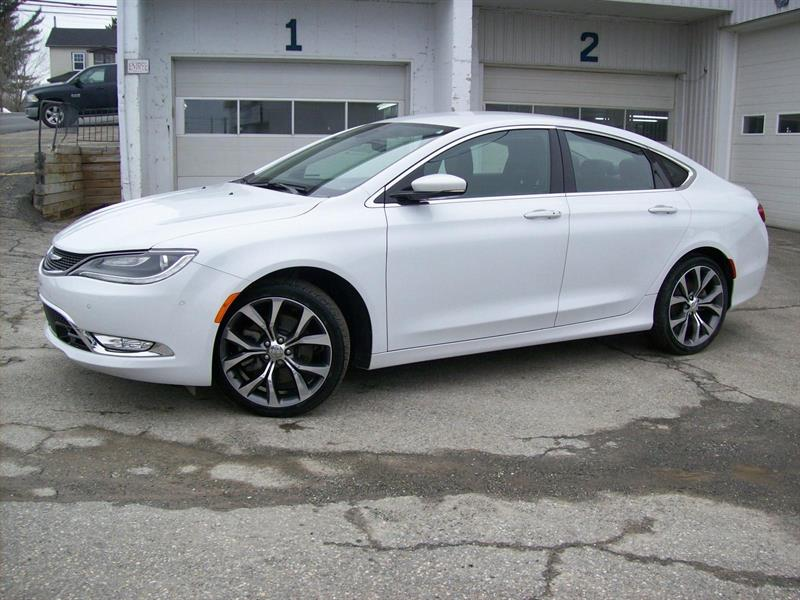 Chrysler 200 2015 C #F0719B