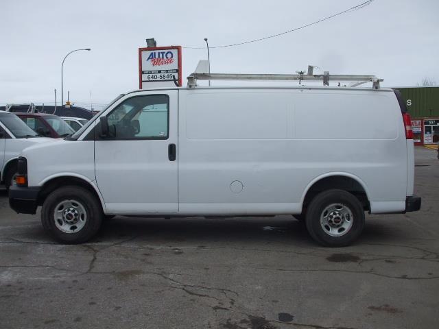 GMC Savana Cargo Van 2012