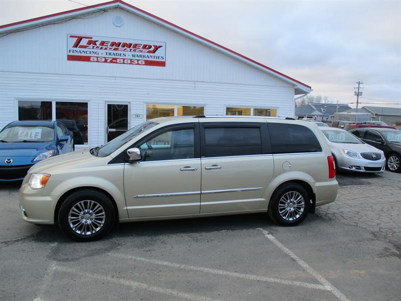 2011 Chrysler Town - Country 4dr Wgn Limited #681941