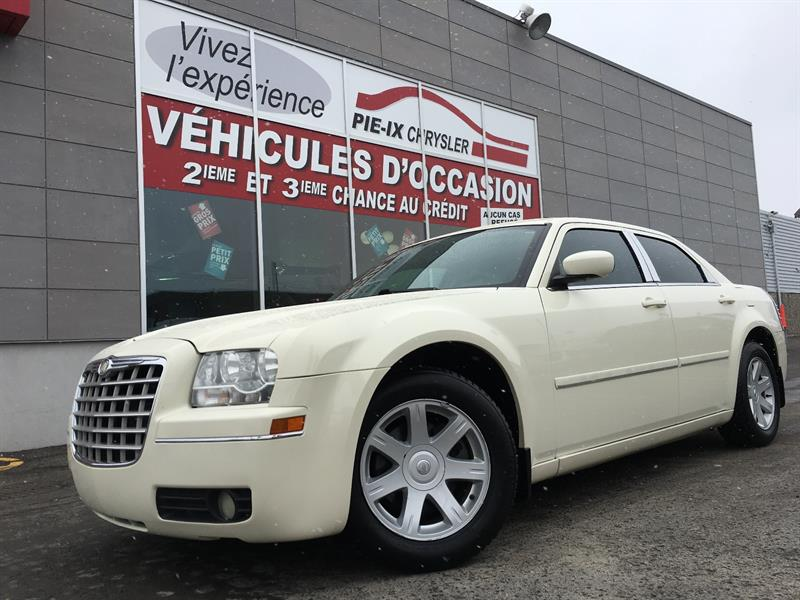 Chrysler 300 2005 4dr Sdn 300 RWD+MAGS+A/C+GR.ELEC+WOW! #UD4485A
