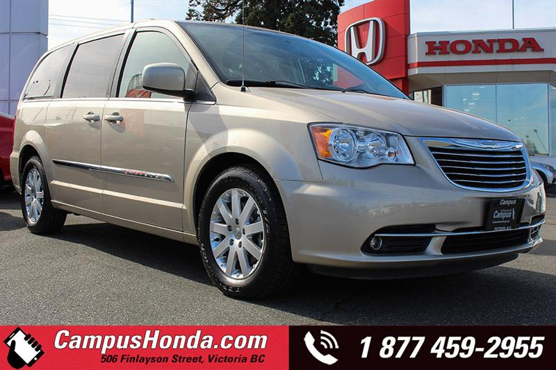 2013 Chrysler Town - Country
