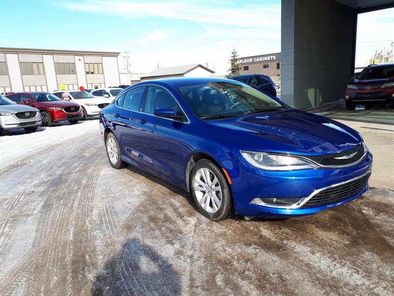 2016 Chrysler 200 Limited #H103325