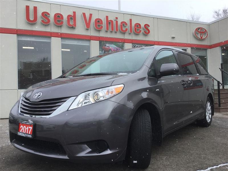 2017 Toyota Sienna LE AWD 7 PASS- B.TOOTH  B.CAM  ONE OWNER  CRUISE  #7856776A