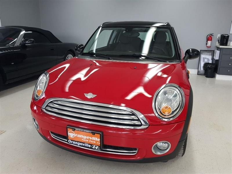 2009 Mini Cooper Clubman MT - Leather/Dual Roof, Trade-in, Low Kms #H0866A