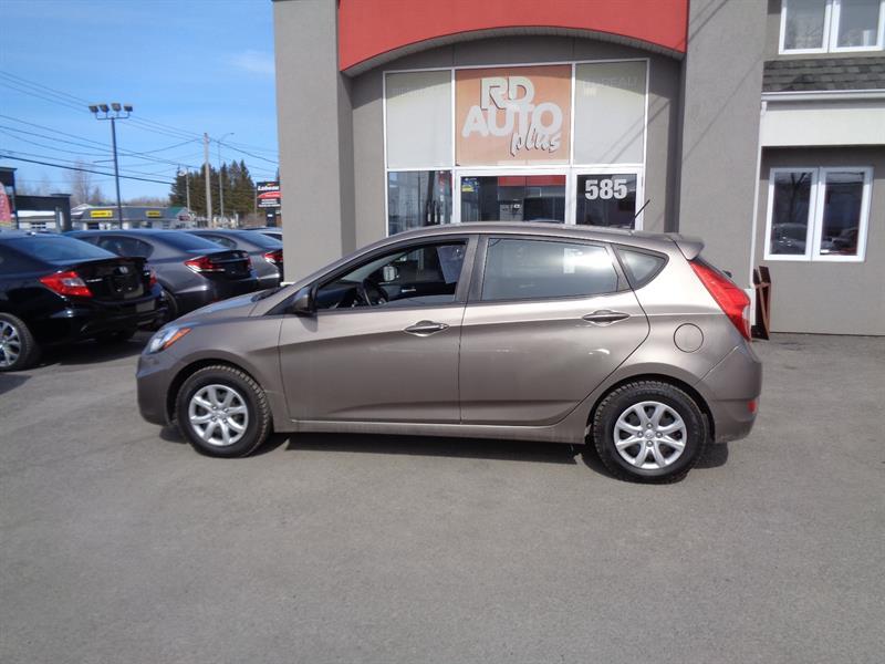 Hyundai Accent 2013 HATCHBACK** L**  4 PNEUS NEUF #9450