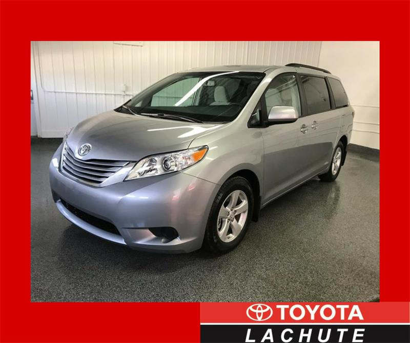 Toyota Sienna 2017 LE #17-326