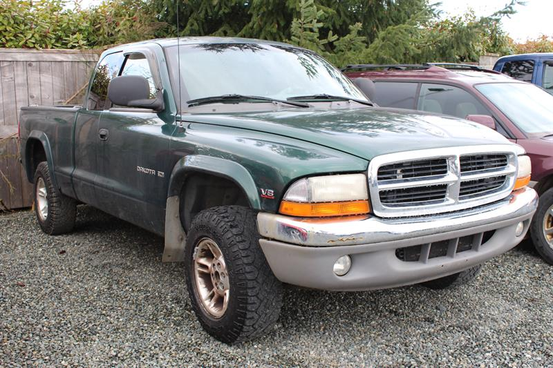 1999 Dodge Dakota Club Cab 131 WB 4WD #P2056A
