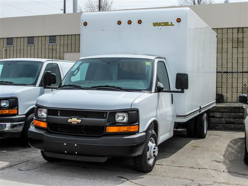 2016 Chevrolet Express 3500 16 FT CUBE #9X566