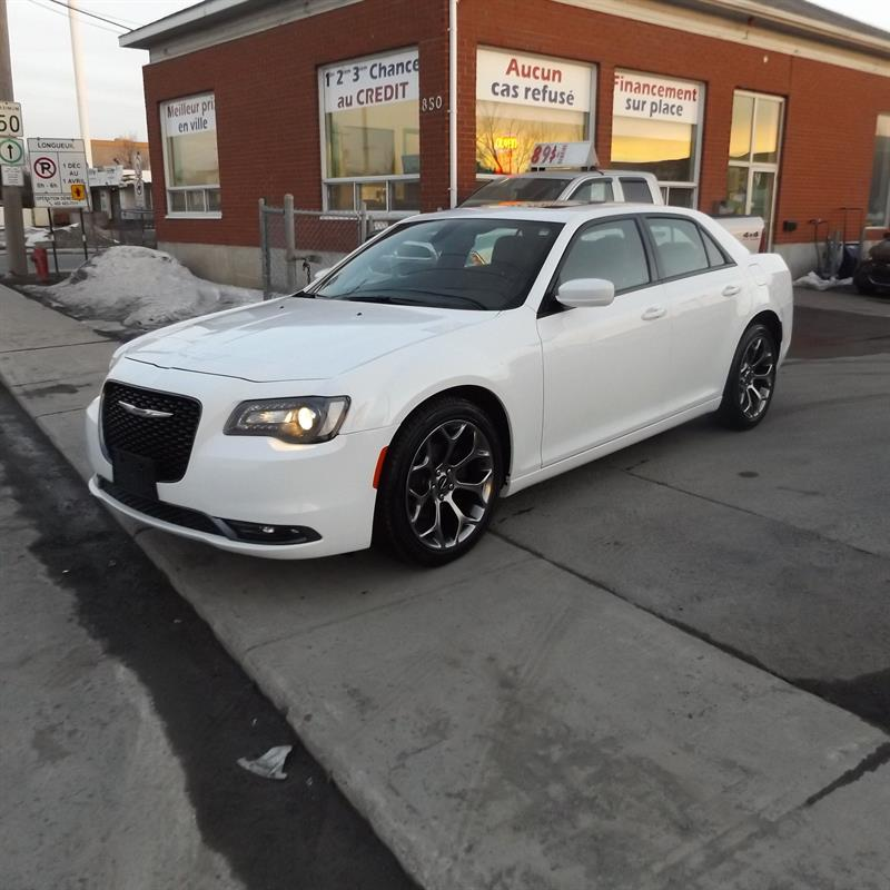 Chrysler 300 2017 4dr Sdn 300S RWD #2190-03