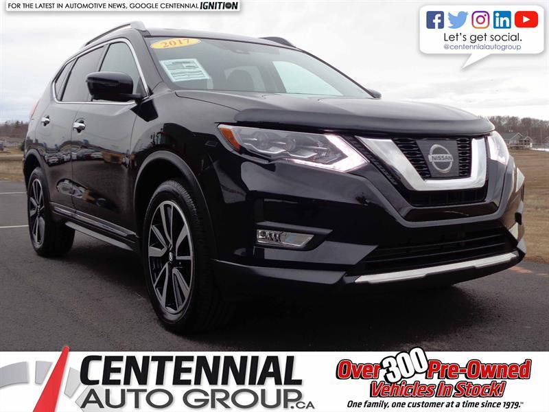 2017 Nissan Rogue AWD | Bluetooth | Moon Roof | NAVI | Backup Camera #S17-256
