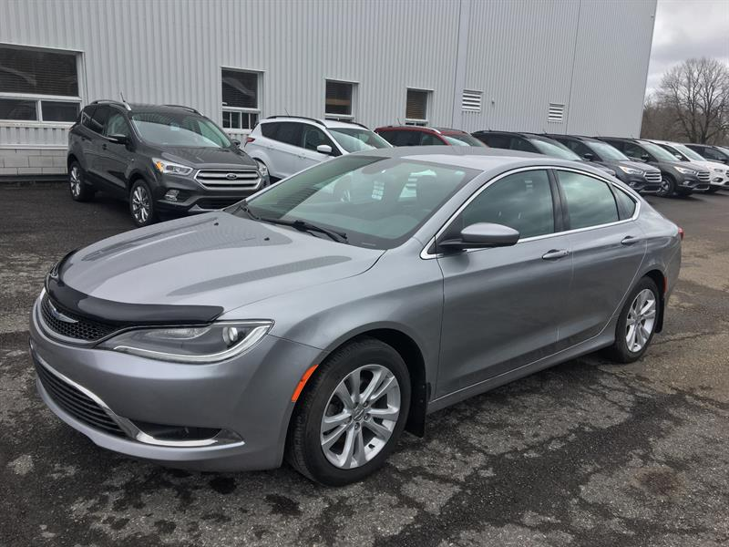Chrysler 200 2015 Limited FWD #18614B