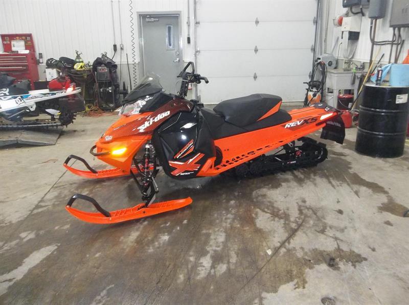 Ski-Doo Renegade 800r etec 2015