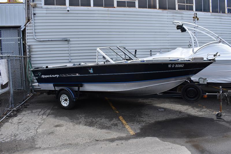 Spectrum bateau de pêche 19.5 pied 1991