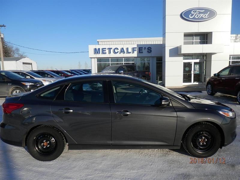 2015 Ford FOCUS SE #309409