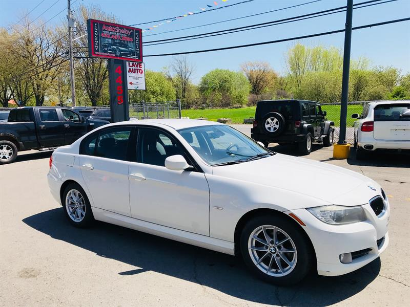 BMW 3 Series 2010 323i-Automatic-Cuir-Jamais Accidentée #4582