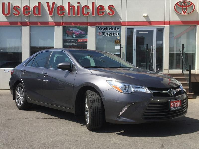 2016 Toyota Camry XLE- Nav  S.roof  B.tooth  leather  B.cam  Cruise  #P7182