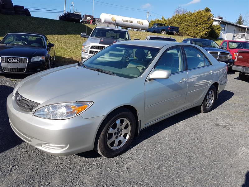 2003 Toyota Camry 4dr Sdn LE