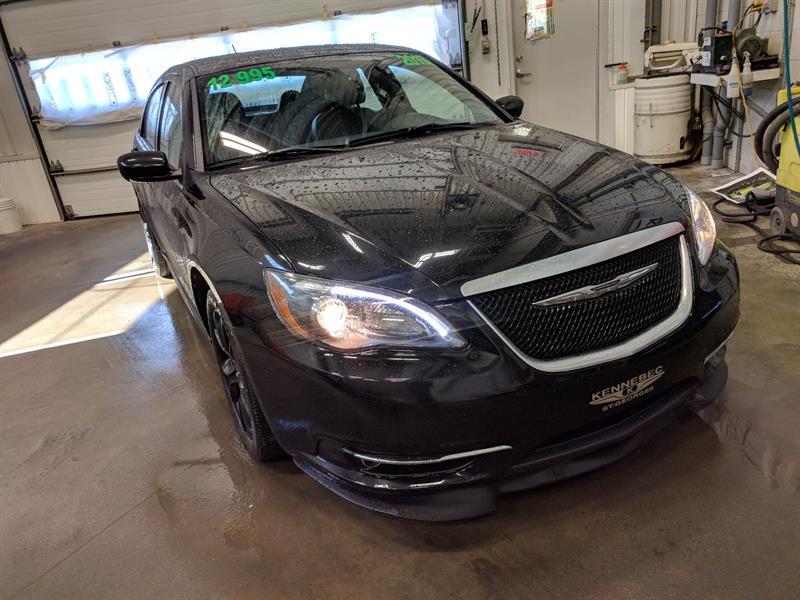 Chrysler 200 2013 S (GPS, *BAS KILO*, CUIR/TISSU, ÉCRAN 5'') #38744A