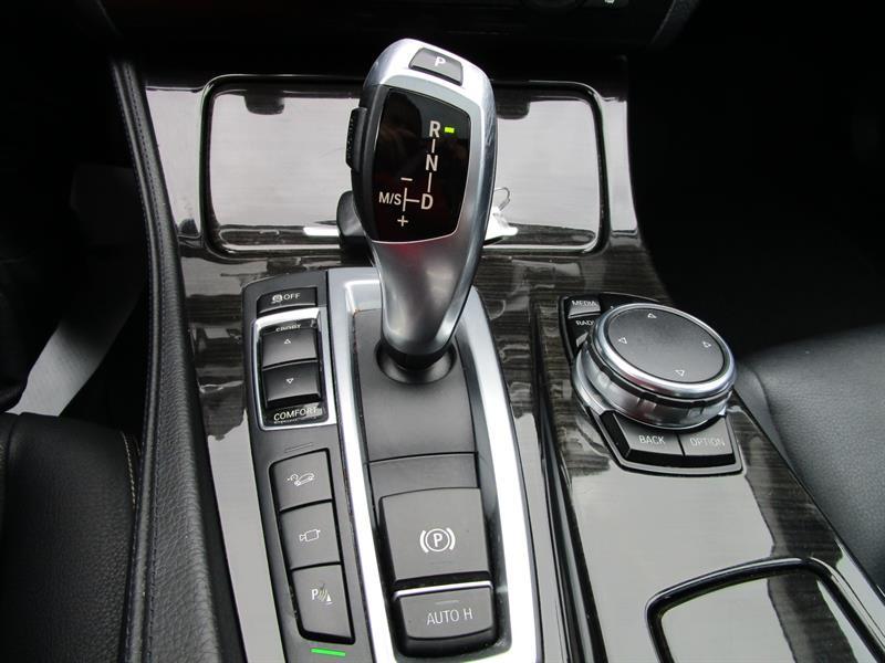 BMW 5 Series Sedan 21