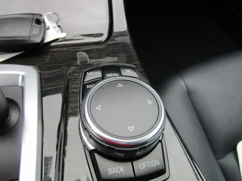 BMW 5 Series Sedan 22