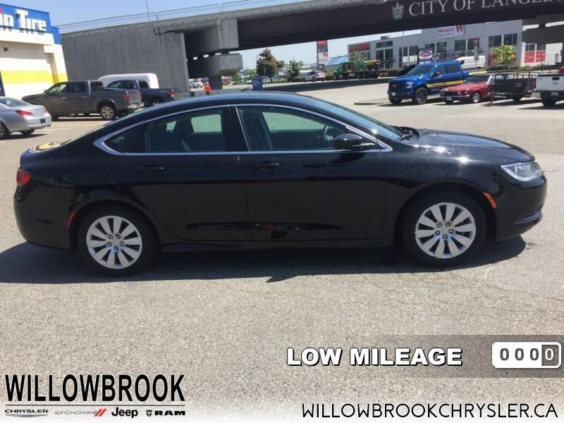 2016 Chrysler 200 LX  - Low Mileage #18UP242