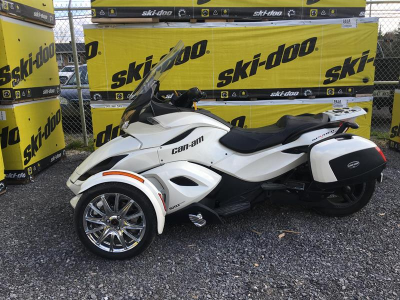 Can-am Spyder ST 2013