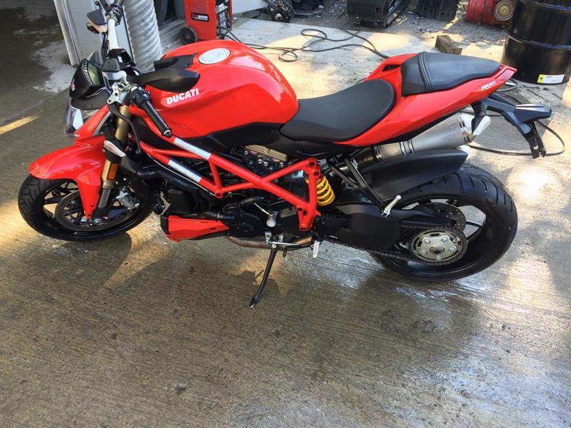 Ducati StreetFighter 848 2012