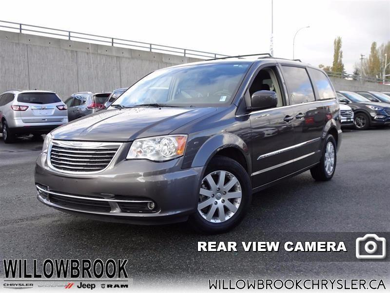 2015 Chrysler Town & Country Touring #17UP429A