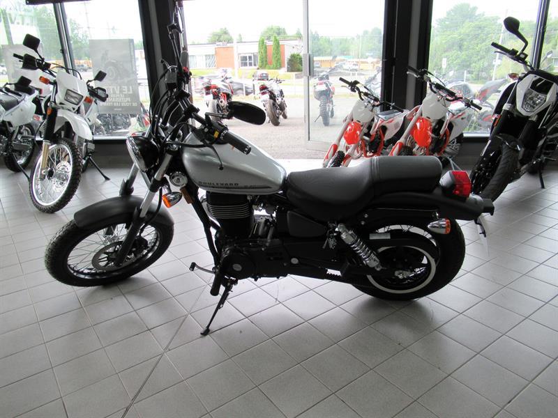 Suzuki Boulevard S40 2018