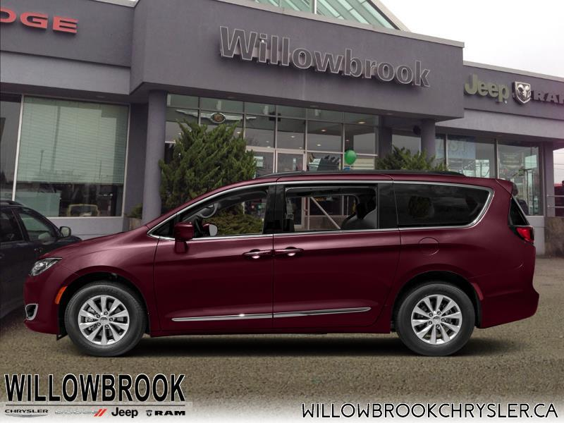 2018 Chrysler Pacifica Limited #18M13