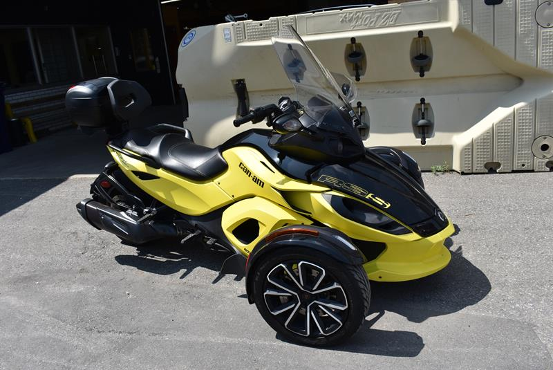3 Roues CAN-AM SPYDER 2014
