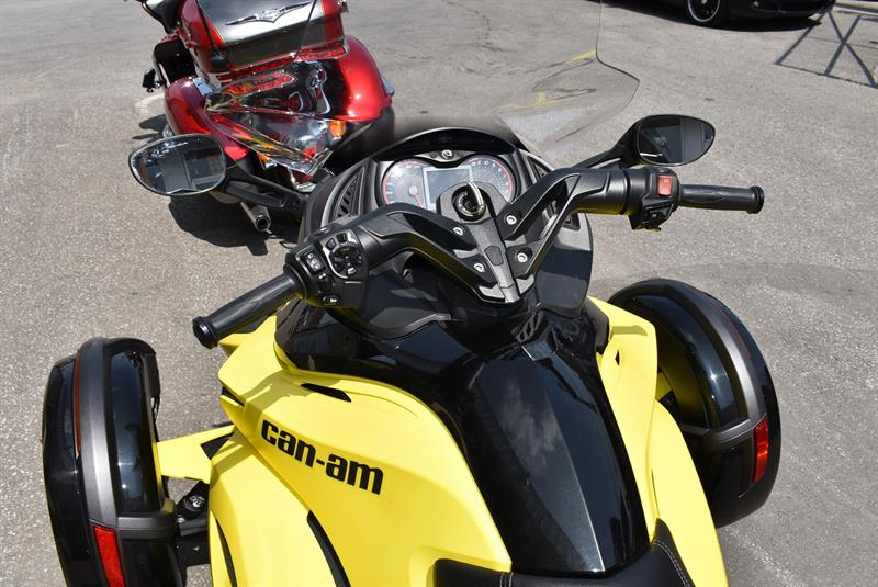 3 roues can am spyder spyder rs s sm5 2014 occasion vendre laval lajeunesse moto sport lt e. Black Bedroom Furniture Sets. Home Design Ideas
