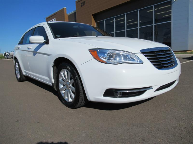 2012 Chrysler 200 Touring | FWD | Heated Seats #A1334B