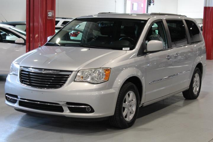 Chrysler Town & Country 2011 TOURING 4D Wagon FWD #0000000746
