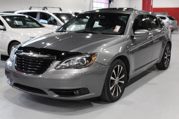 Chrysler 200 2011 S 4D Sedan #0000000863