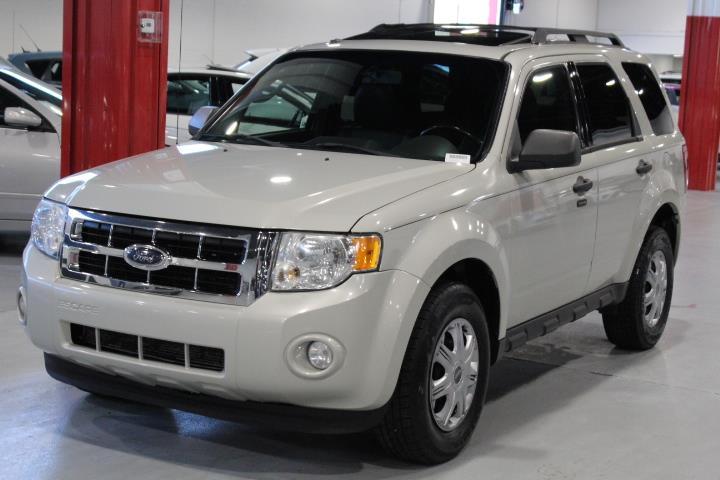 Ford Escape 2009 XLT 4D Utility 4WD #0000000995