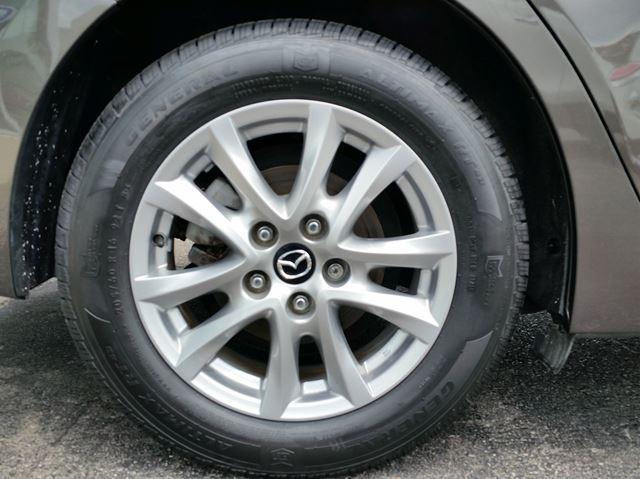 2014 Mazda MAZDA3 GS LOW KMS NEW TIRES NEW BRAKE