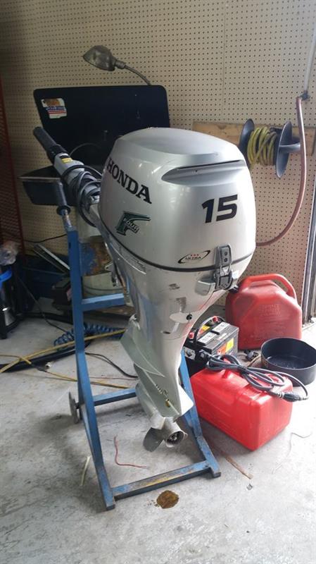 Honda 15 HP 2010