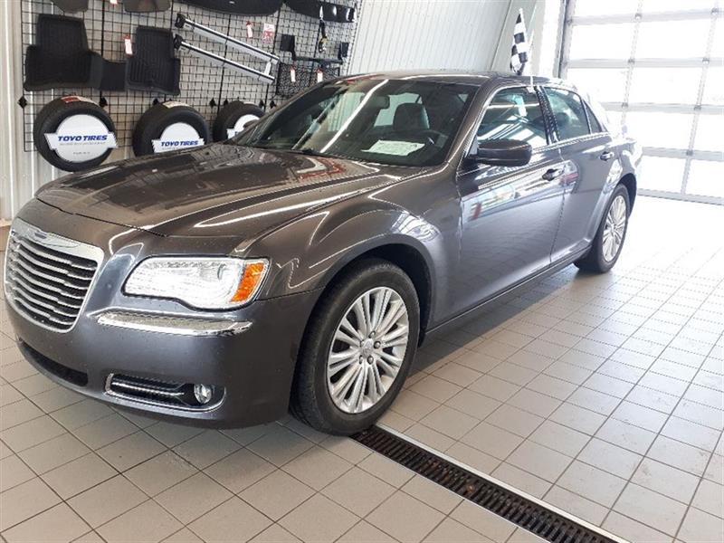 Chrysler 300 2014 **AWD*CUIR*TOIT PANO*DEMARREUR #V180484A