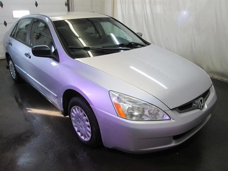 Honda Accord 2004 DX  #8-0804