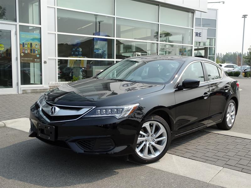 2017 Acura ILX 8-Spd AT w/ Premium Package #785707