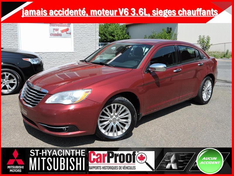 Chrysler 200 2011 Limited #18P077