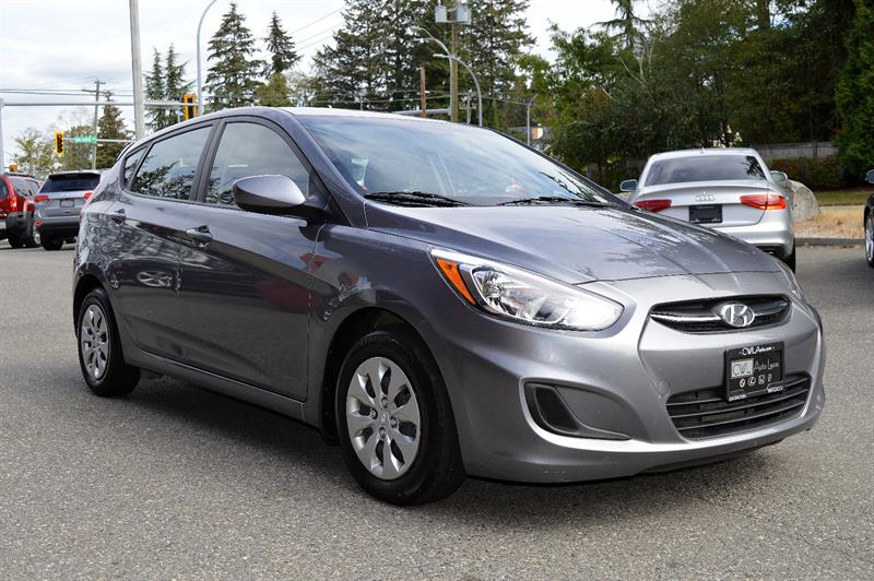 2016 Hyundai Accent 5dr HB - Local / One Owner #CWL8703M