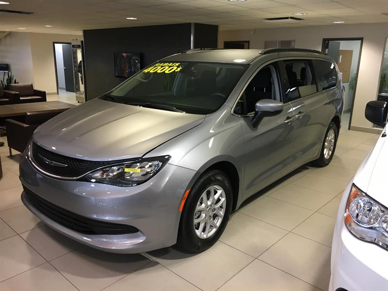 Chrysler Pacifica 2017 LX+DVD+MAGS+WOW! #17623