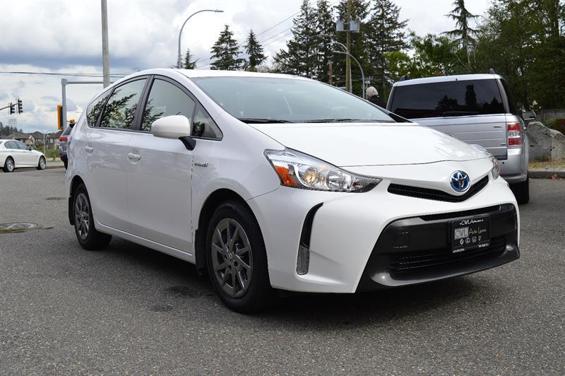 2017 Toyota Prius V LOCAL / ONE OWNER  #CWL8725M