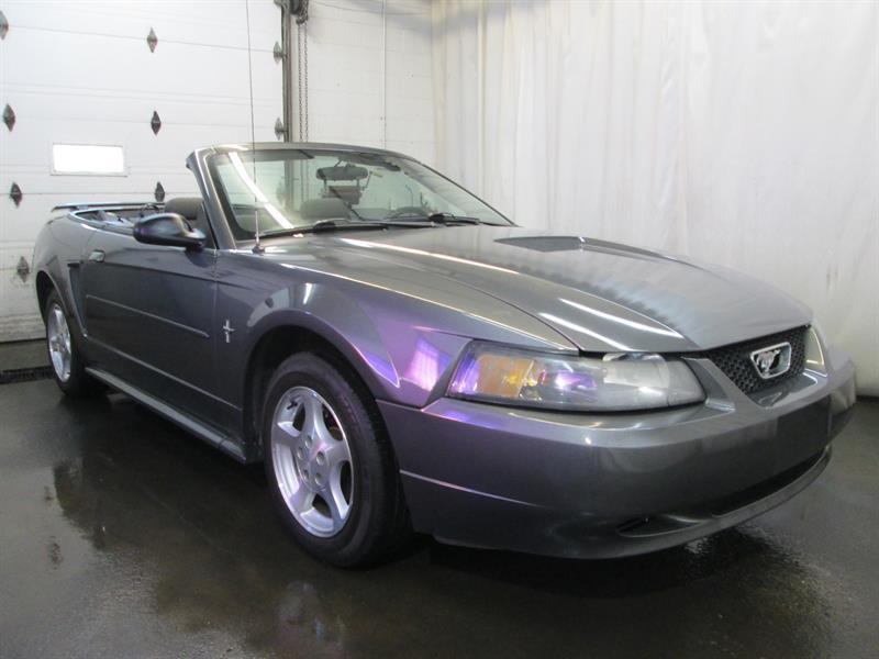 Ford Mustang 2001 2dr Convertible #8-0604