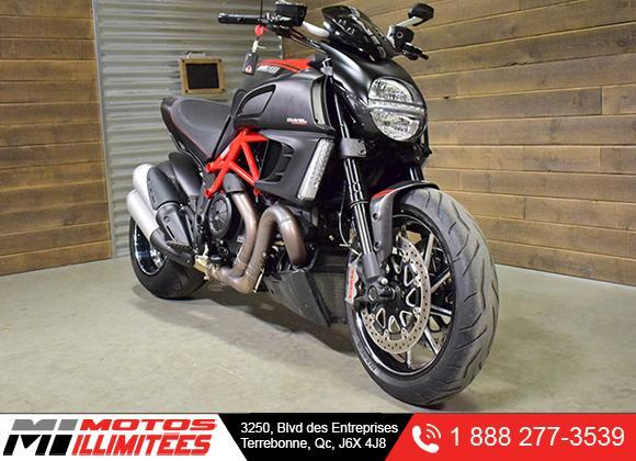 2013 Ducati Diavel Carbon Red Used For Sale Terrebonne Motos