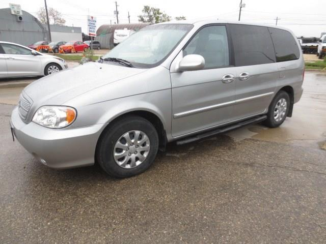 2004 Kia Sedona **LOW KMS** #C100